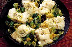 Ricetta Merluzzo con olive e cavolini di Bruxelles
