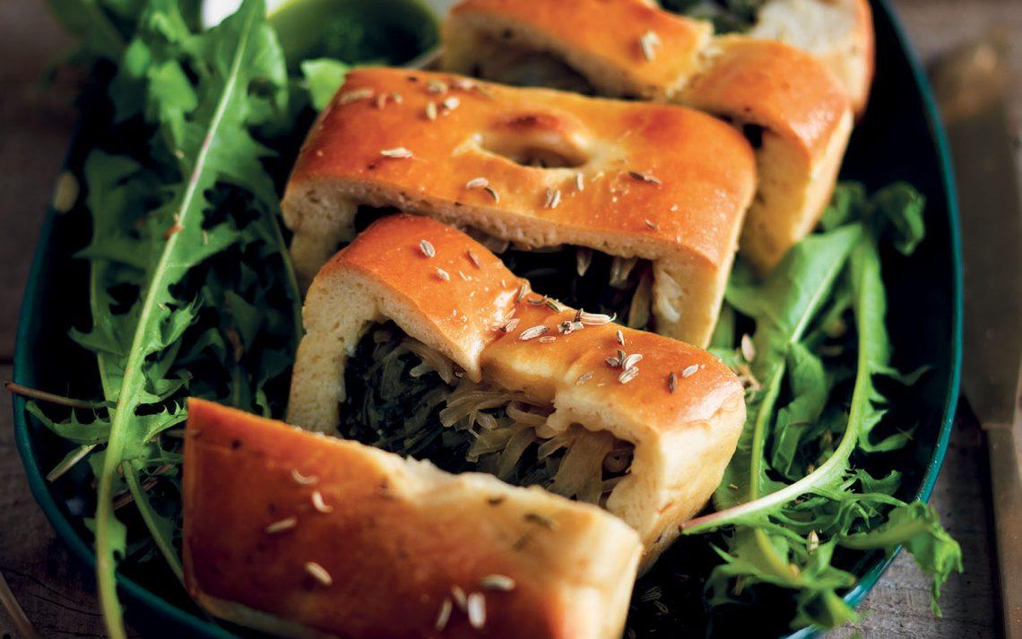 Ricetta Torta di pane, tarassaco e cipolla