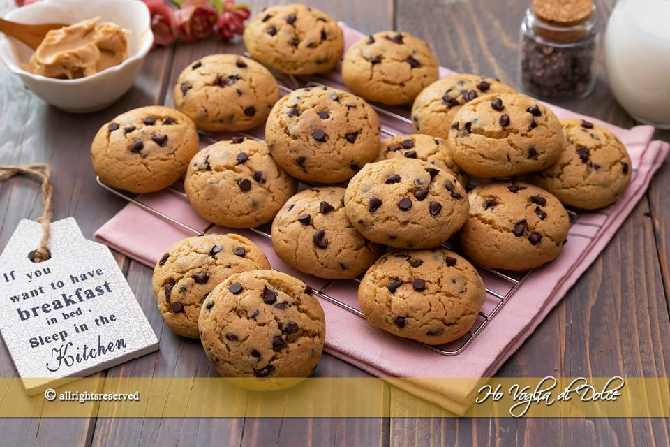 Cookies al burro di arachidi e gocce di cioccolato