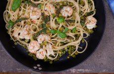 Spaghetti al limone con asparagi e gamberi