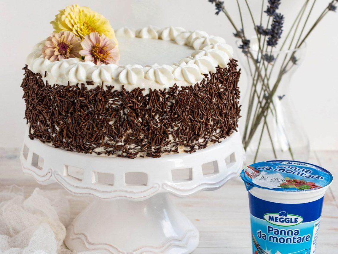 Torta morbida al cioccolato fondente e Panna da Montare Meggle