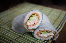 la ricetta sfiziosa che unisce sushi giapponese e burritos messicani